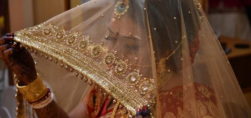 Trois propagations de Tarot hindou d'amour