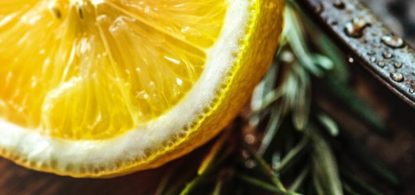 Enlever le mauvais œil avec du citron : la méthode simple et efficace !