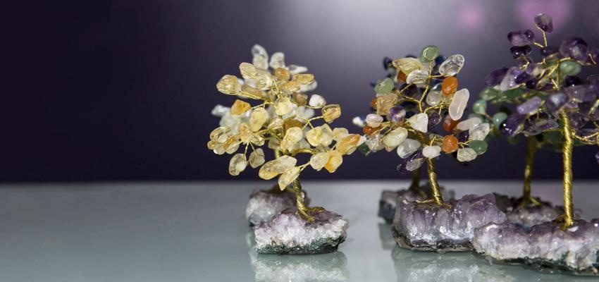 Quels sont les bienfaits d'un arbre de vie avec des améthystes ?
