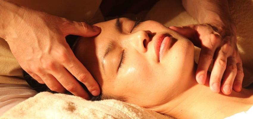 Réflexologie faciale : une méthode efficace pour retrouver tonus et vivacité !