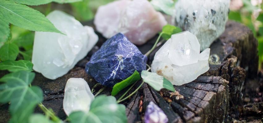 Recharger les minéraux pour conserver leur énergie bienfaisante