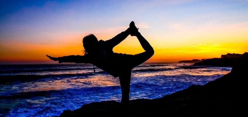 Yoga du soir : pour des nuits plus douces et plus sereines...