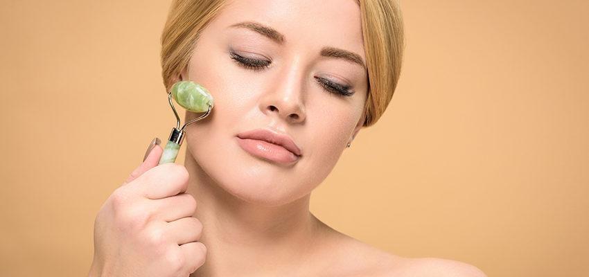 5 vertus du jade roller, le rouleau de jade qui améliore la peau