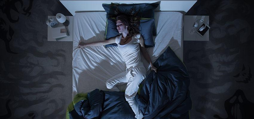 Le sommeil agité : Quelles en sont les causes