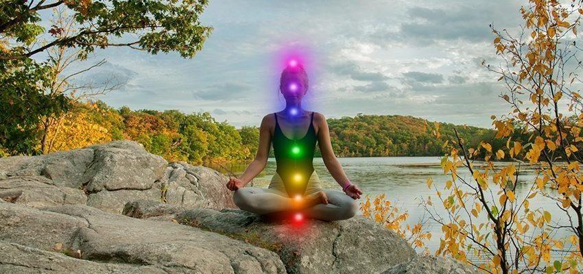 Les 12 symptômes d'ouverture du chakra du plexus solaire