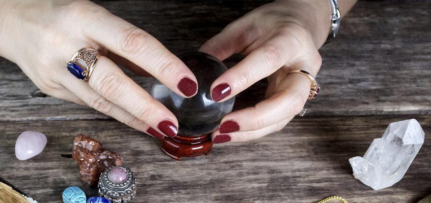 Tout savoir sur la boule de cristal pour la voyance