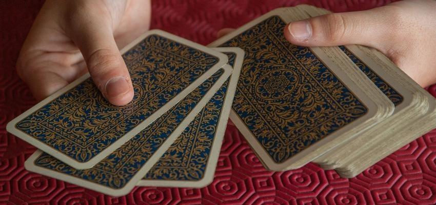 Propagation à 5 cartes du Tarot Oui ou Non fiable