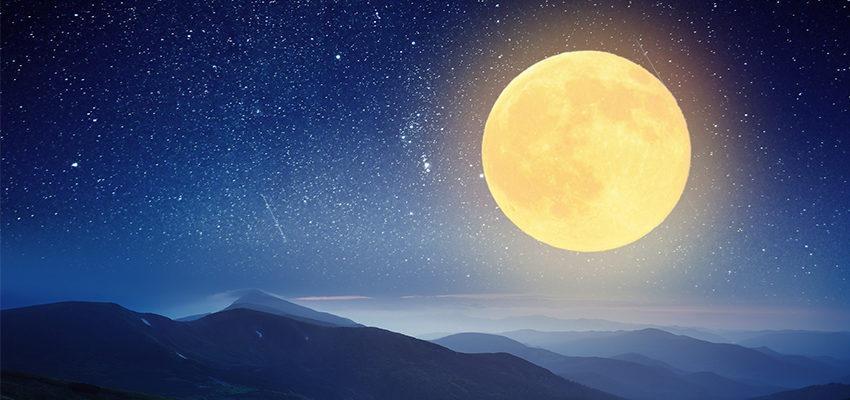 Découvrez les différentes couleurs de la Lune !