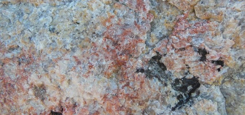 La pierre feldspath et ses propriétés