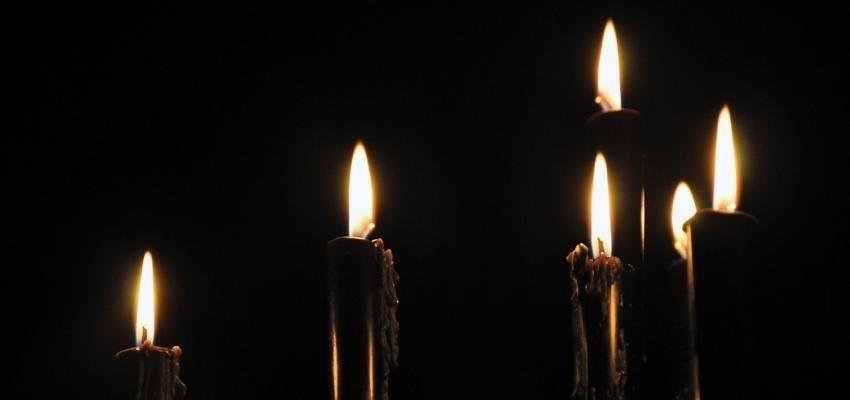 Rituel des bougies noires pour l'argent : ça fonctionne !