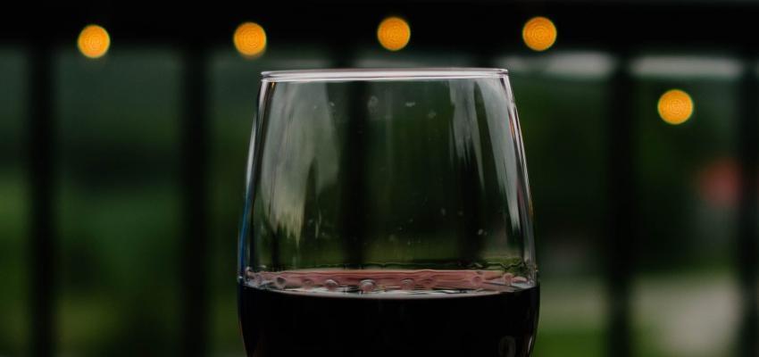 Rituel du vin pour l'argent : retrouvez bonheur et prospérité...