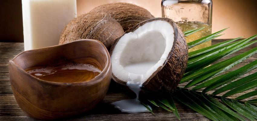 Faire un rituel avec la noix de coco pour nettoyer la négativité de votre maison