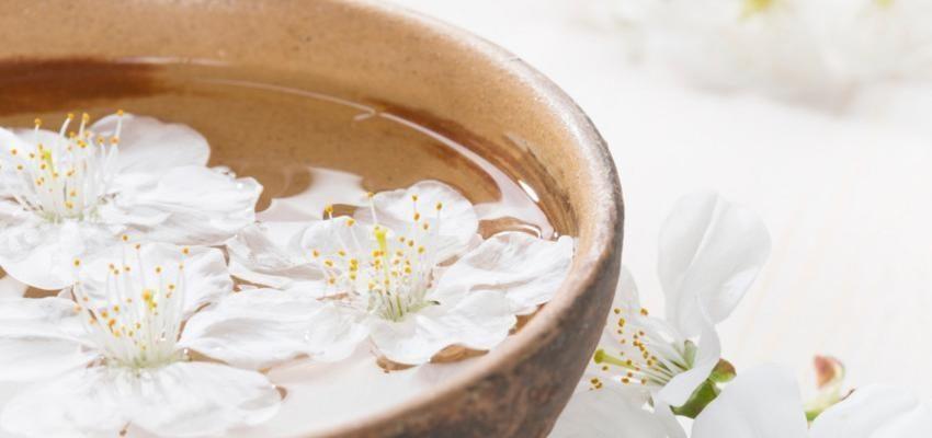 Préparer un bain de vinaigre pour le corps et l'esprit
