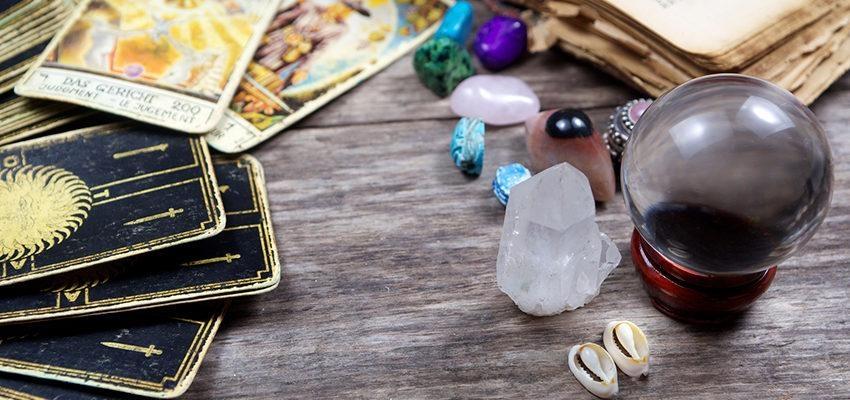 Oracle des pierres précieuses :  les gemmes au service de notre avenir...
