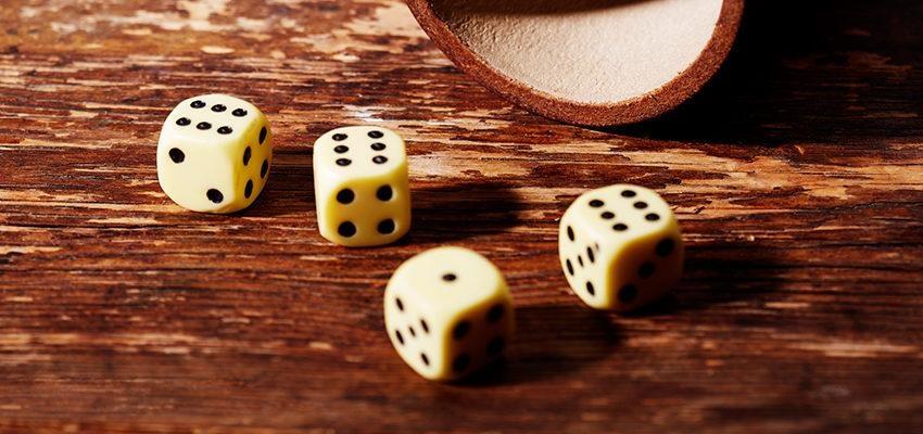 La Kybomancie, ou l'avènement d'un jeu de dés divinatoire...