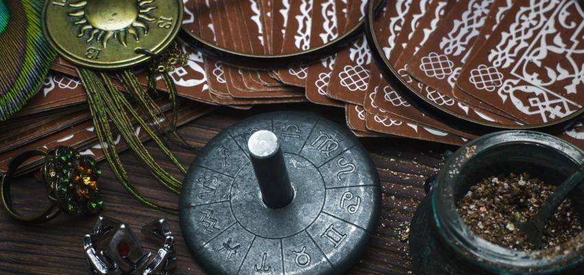 Tarot astrologique: lire l'avenir grâce au Zodiaque