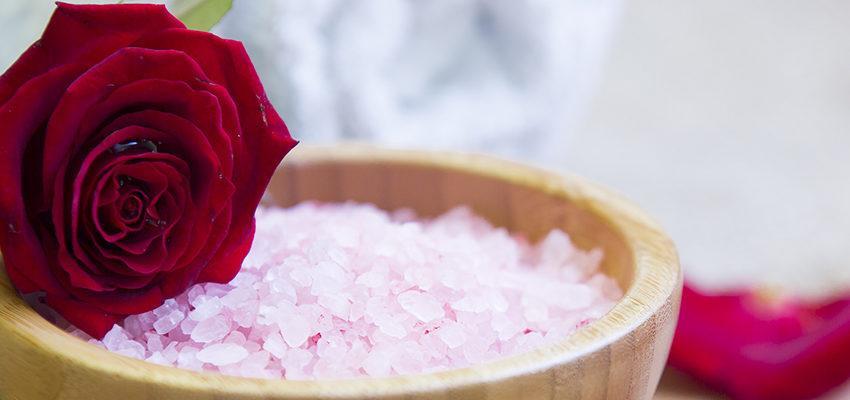 Bain de roses : les émotions de la vie et de l'amour