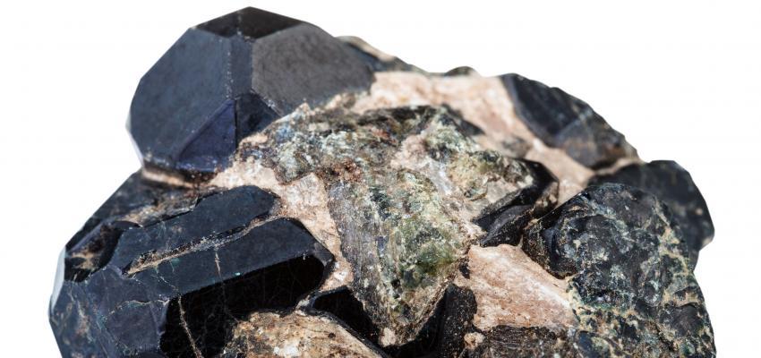 La pierre de protection spinelle noire