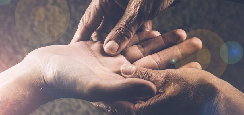 Chiromancie: l'importance de la couleur de la main