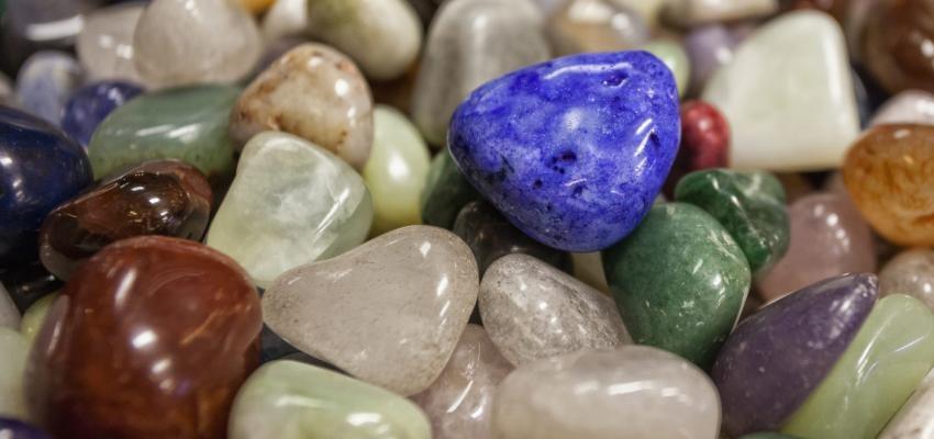 Quelles pierres de lithothérapie contre la colère choisir