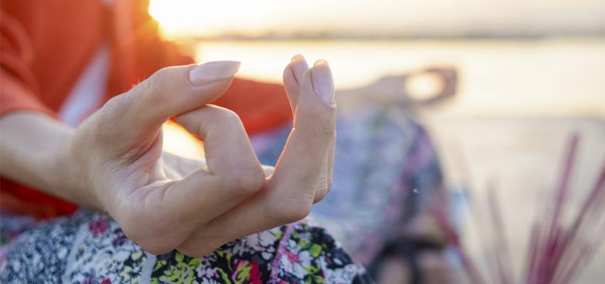 Comment nettoyer son taux vibratoire ? 4 astuces !