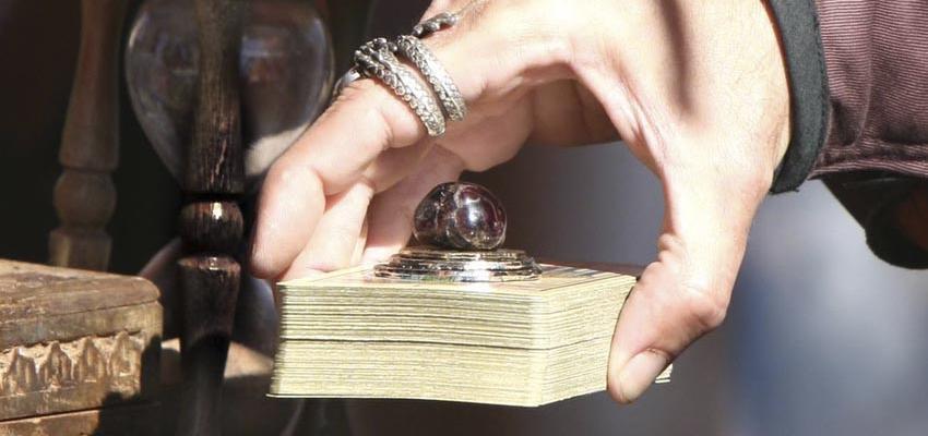 Comment procéder au tirage du jeu de cartes ordinaires en Cartomancie ?