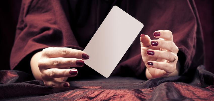 Connaitre la signification des cartes en cartomancie