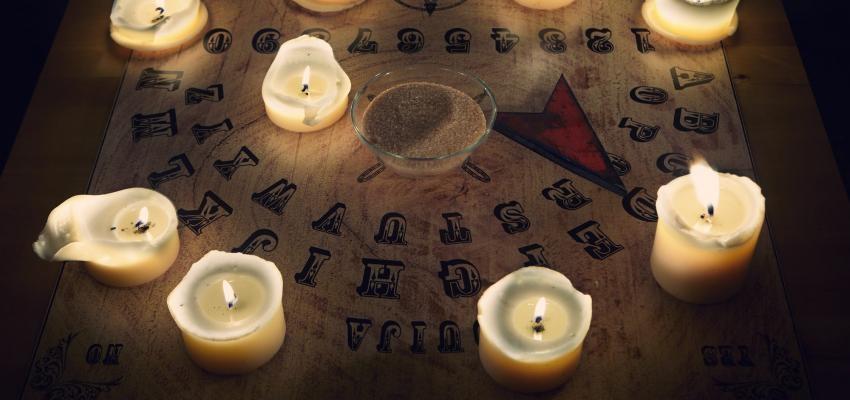 Comment utiliser une planche de Ouija ?