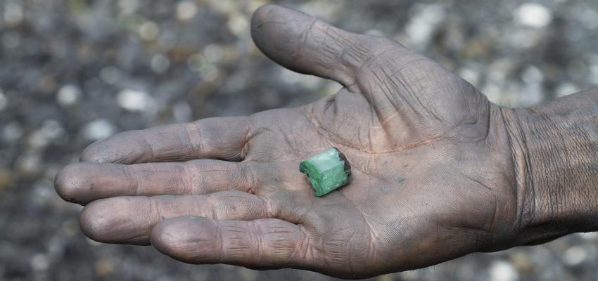 Les pierres trafiquées ou contrefaites : comment les reconnaître ?