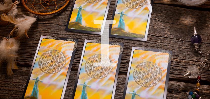 Méthodes tirage des cartes ordinaires en cartomancie