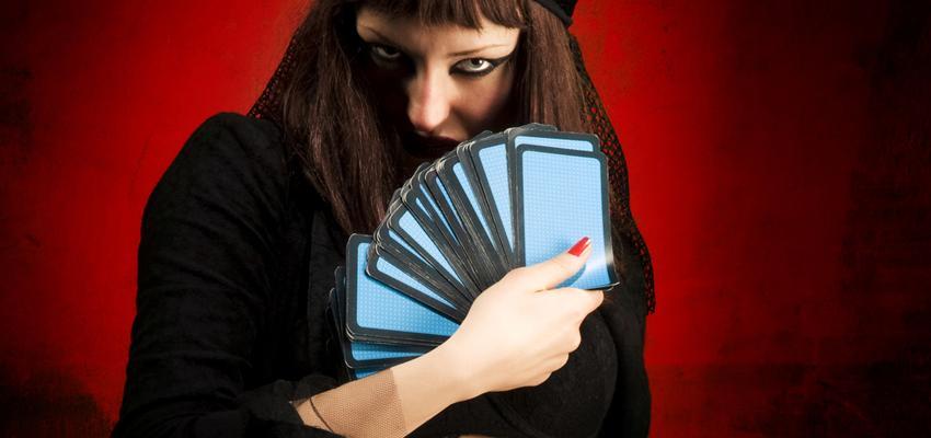 Initiez-vous à la cartomancie avec 32 cartes
