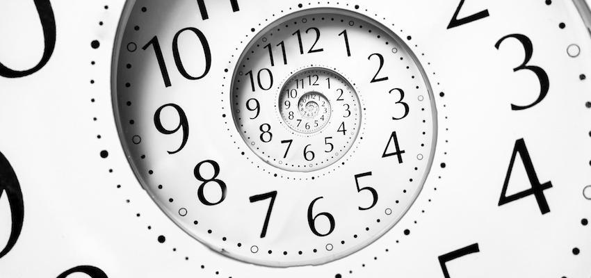 Interpréter les heures miroirs avec la numérologie