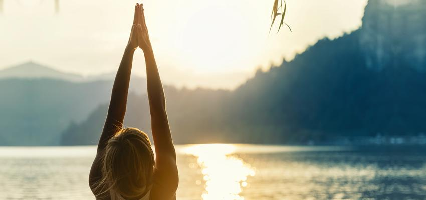 La salutation au soleil : technique de Yoga très importante