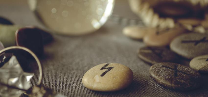Le tirage des runes : comment faire ?