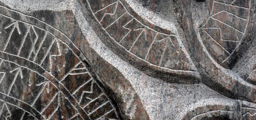 Les runes et l'astrologie : chaque signe runique correspond à un signe astrologique