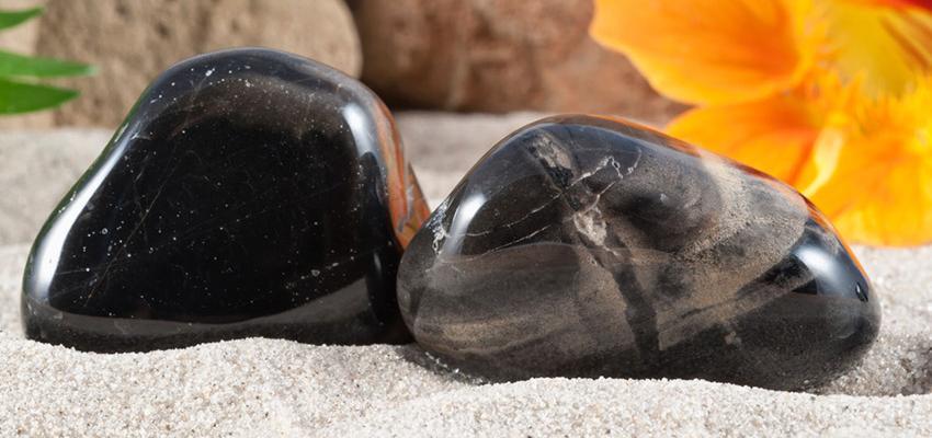 Obsidienne la pierre qui se recharge au soleil et la lune - Tache blanche coup de soleil ...