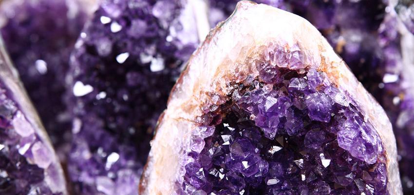 Comment se procurer les pierres de protection et les cristaux ?