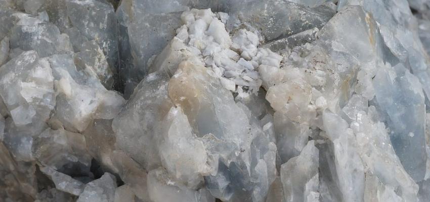 La pierre calcite bleue et ses propriétés