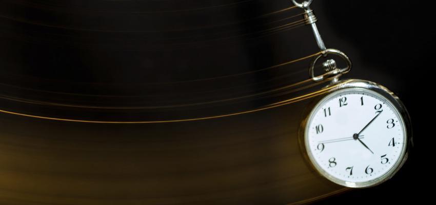 Comment fonctionne la régression en âge dans l'hypnose ?