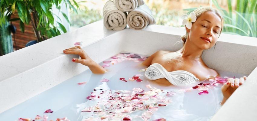 Rituel d'amour: le bain pour attirer l'être aimé