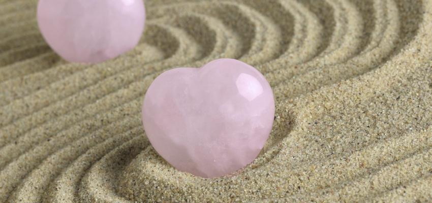 La purification du quartz rose : méthode rapide