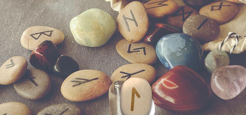 La rune Laguz :  l'eau comme source de vie