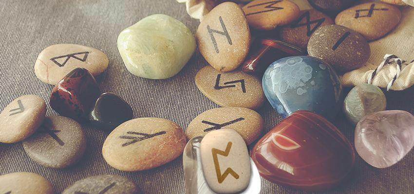 La rune Perdhro : faire confiance à son intuition pour accomplir sa destinée