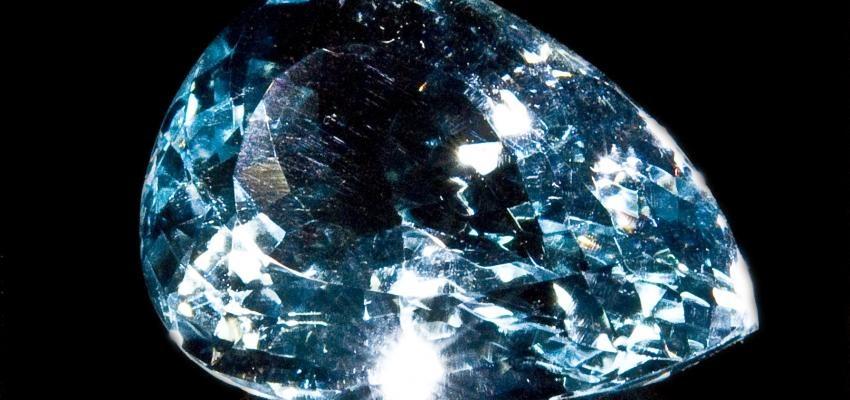 La topaze bleue, pierre précieuse de pouvoirs