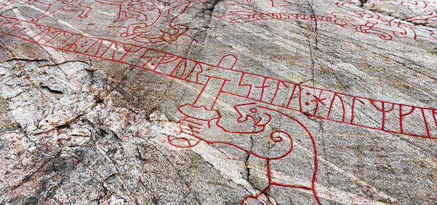 Runes, symboles et signification : les origines scandinaves de cet art divinatoire