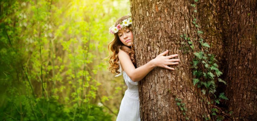 Enlacer un arbre peut améliorer votre santé