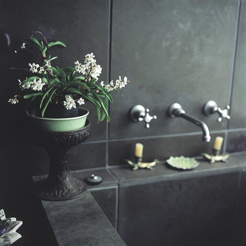 les secret de la salle de bain en feng shui. Black Bedroom Furniture Sets. Home Design Ideas