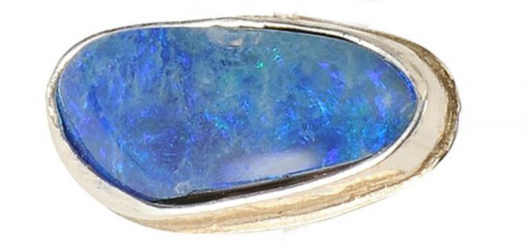 pierre opale bleue