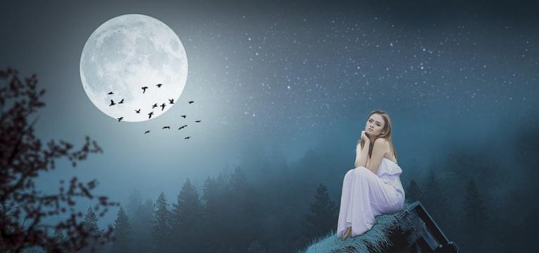 relation sacrée entre la femme et la Lune