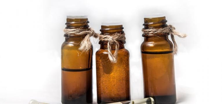 l'huile essentielle de cèdre de l'Atlas